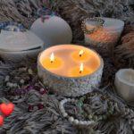 Ekologické vonné svíčky s náramkem jako dokonalý dárek