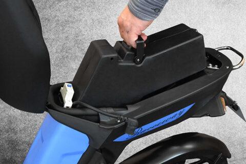 Elektroskútr bez řidičáku pro všechny