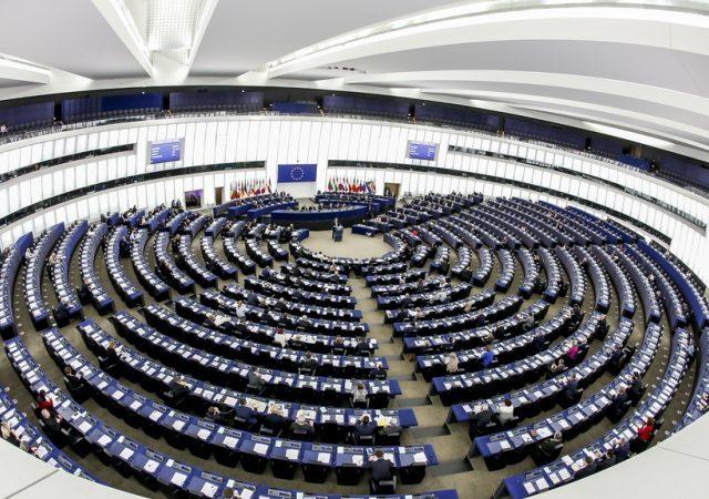 Volby do Evropského parlamentu – kdo je favorit a kdo propadne?