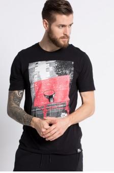 modní článek Svět - nike - muž triko