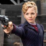 Slečna Scarletová, detektiv v sukních vyřeší každý případ