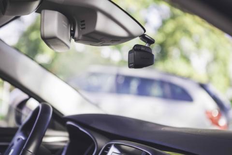 TrueCam H5: Skutečně nenápadná autokamera